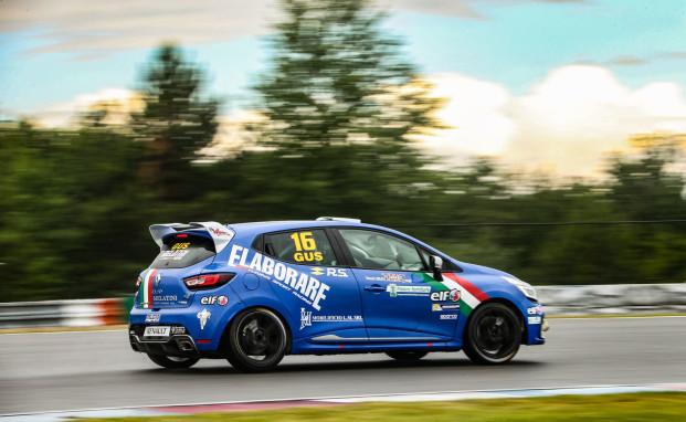 Il team Melatini Racing a Monza per puntare questo weekend alla leadership della Clio Cup Italia