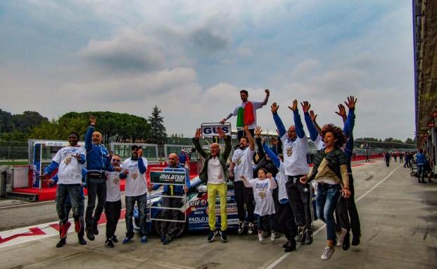Melatini Racing a Imola due volte in trionfo: Sandrucci si laurea campione, alla squadra va anche il titolo Team