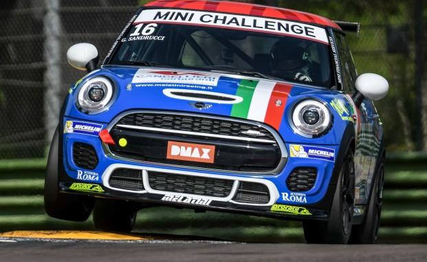 Sandrucci: è ancora podio nel MINI Challenge Italia, Ferraro quarto