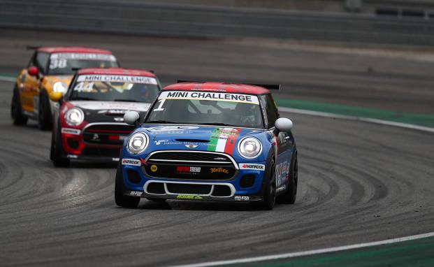 """Melatini Racing a Misano per difendere il """"doppio"""" primato nel MINI Challenge Italia"""
