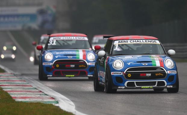 Melatini Racing a quattro punte nel penultimo appuntamento del MINI Challenge Italia