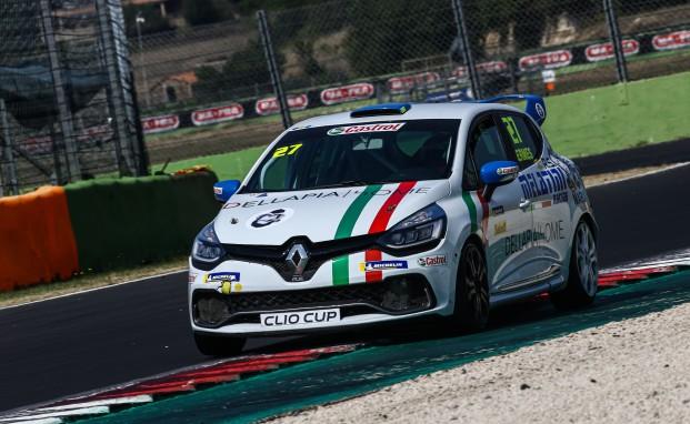 Clio Cup Italia: Ermes Della Pia conclude entrambe le gare di Vallelunga nella top 10