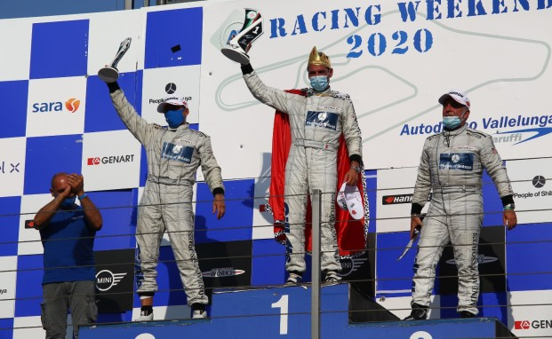 Sandrucci re del Mini Challenge Italia con MelatinI Racing a Vallelunga nel grande giorno di Tronconi